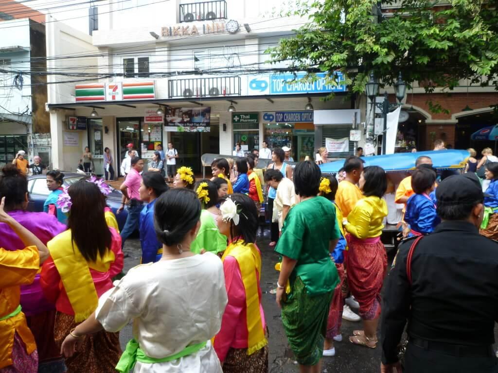 バンコク 東日本大震災 義援金活動