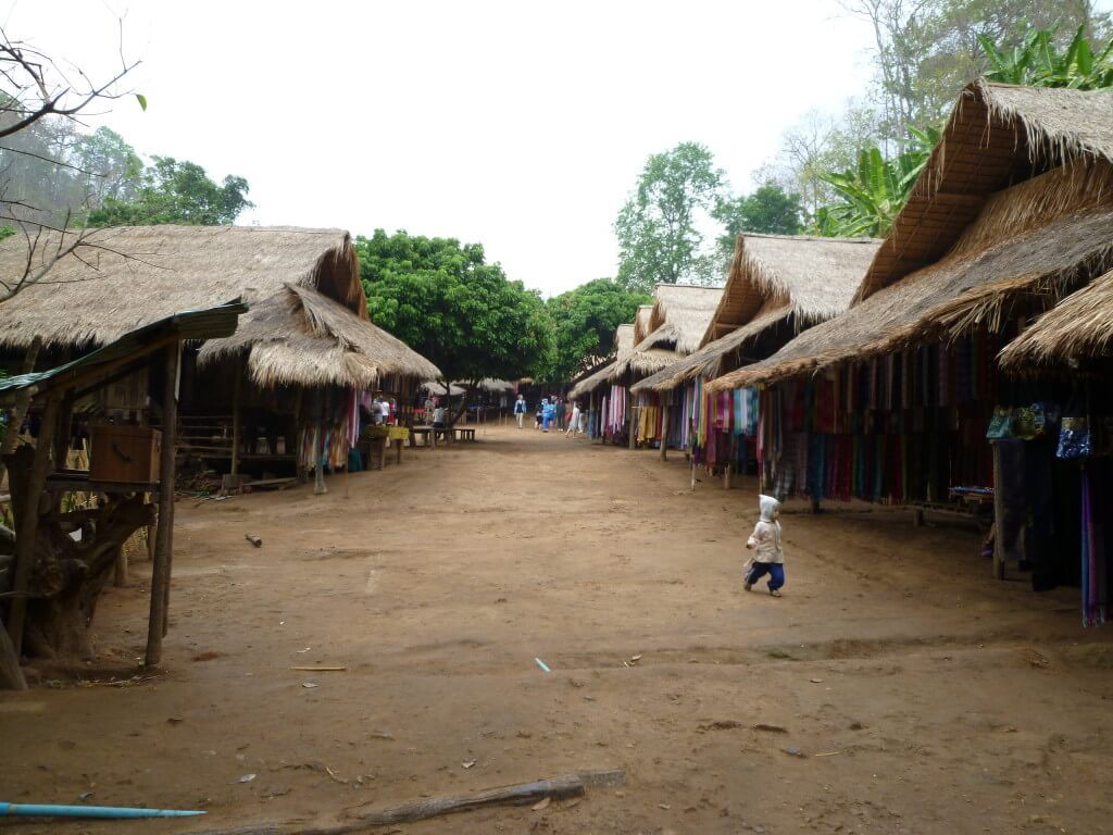 チェンマイ トレッキング 少数民族の村