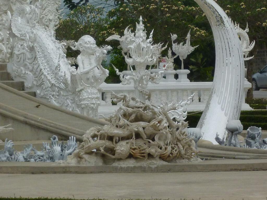 チェンライ 白い寺院 デザイナー