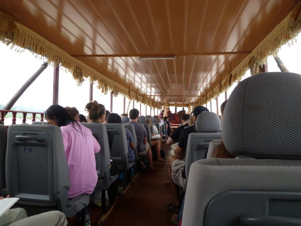 ファイサーイから「スローボート」でルアンパバーンの旅は・・・過酷だった!