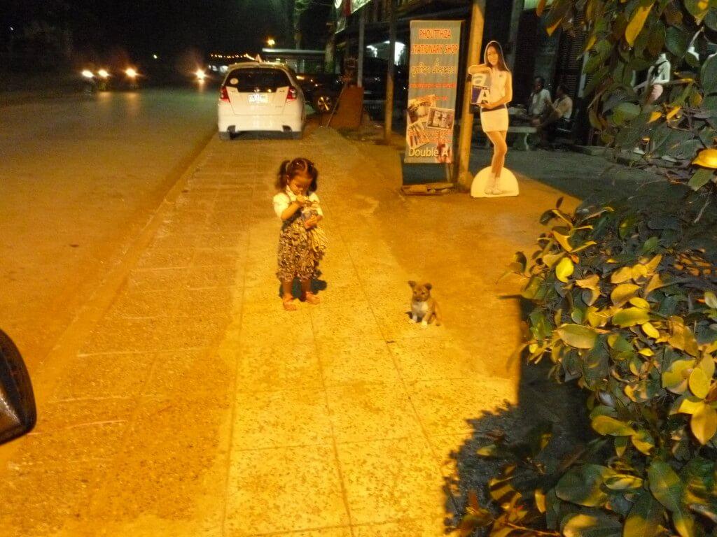 ラオスのルアンパバーンはのんびりした街で好き!ナイトマーケットに赤十字サウナと観光いっぱい!