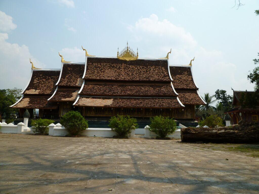 世界遺産ルアンパバーンのワット・シエントーンは美しい仏教寺院群です♪