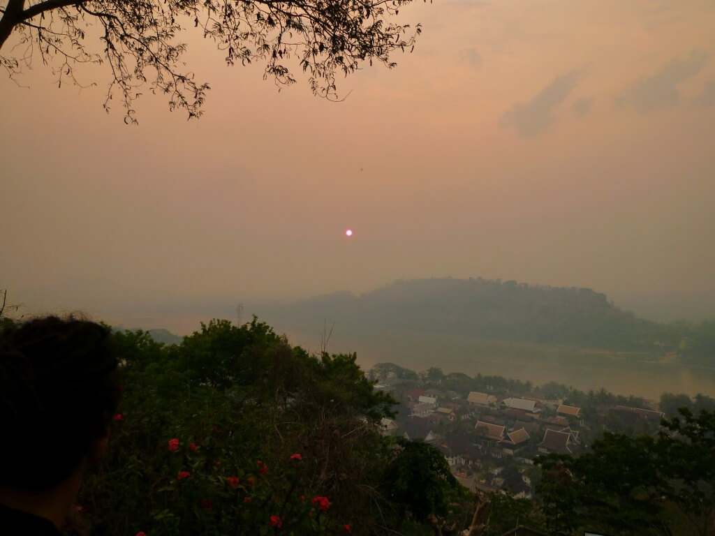 ルアンパバーン プーシーの丘 サンセット ラオス