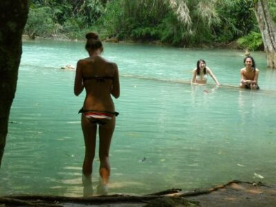 今日の美女 クアンシーの滝 外国人美女 水着 セクシー ルアンパバーン ラオス