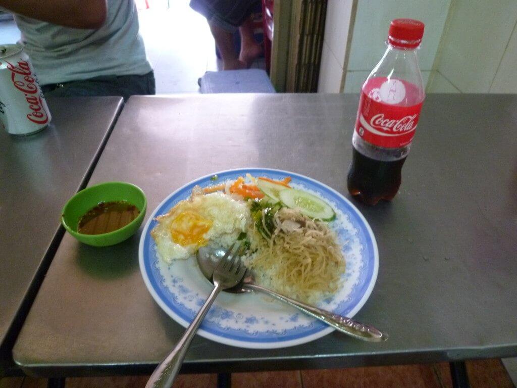 今日のコーラ ぶっかけ飯とコーラ