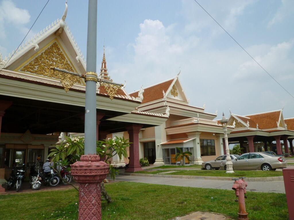 ベトナム カンボジア イミグレーション 国境