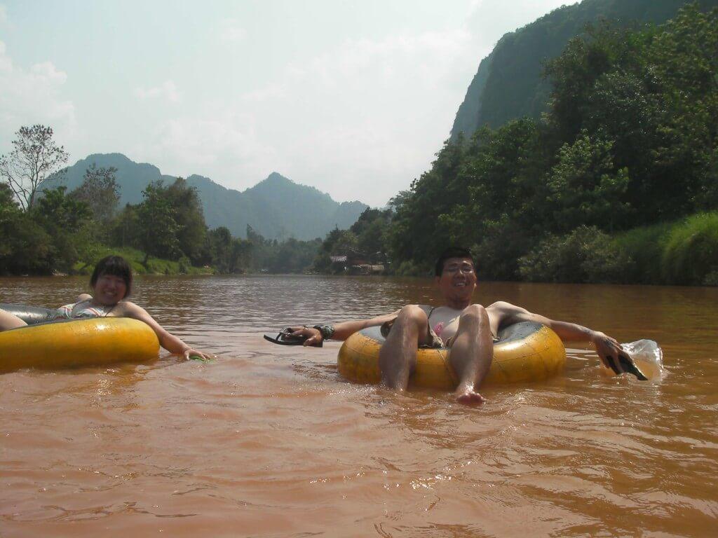 乾季はカヌーで川下り下方がいいかも?