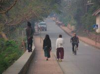 ルアンパバーンの行き方は?早朝の托鉢の注意点や赤十字サウナなどの観光情報を紹介するよ
