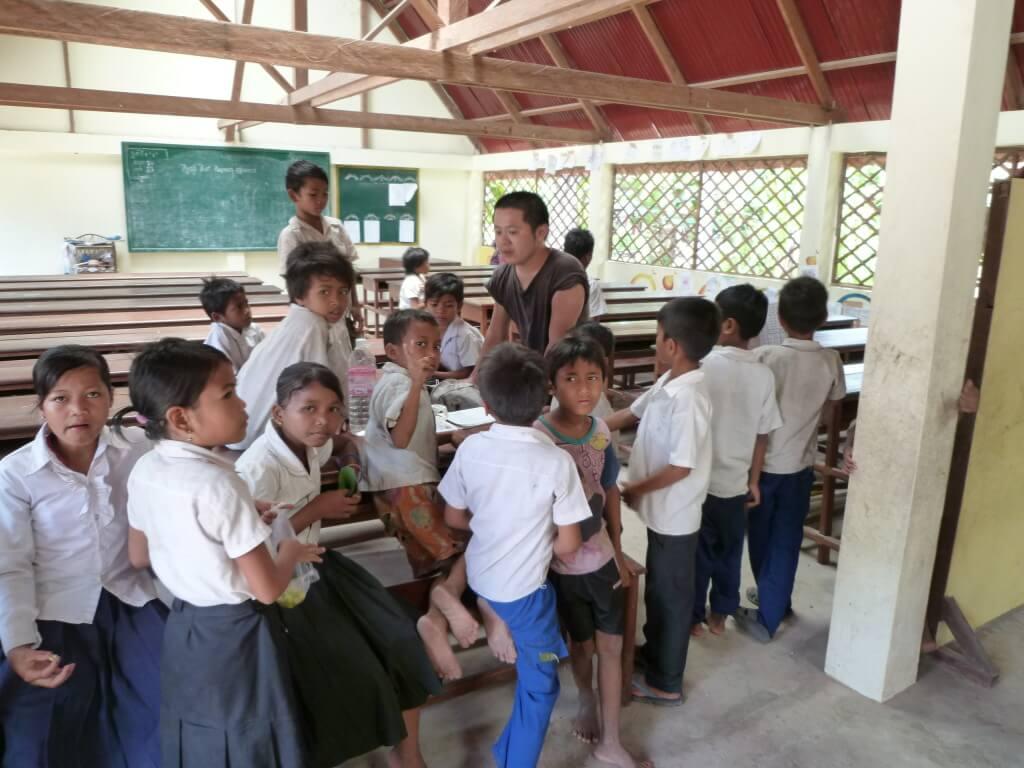 イキイキスクール カンボジア シェムリアップ トロペアントム村