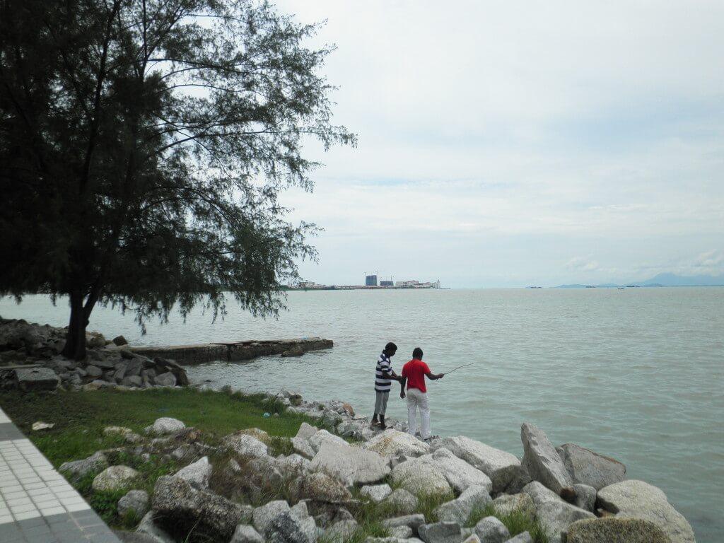 ペナン島 インド人 釣り