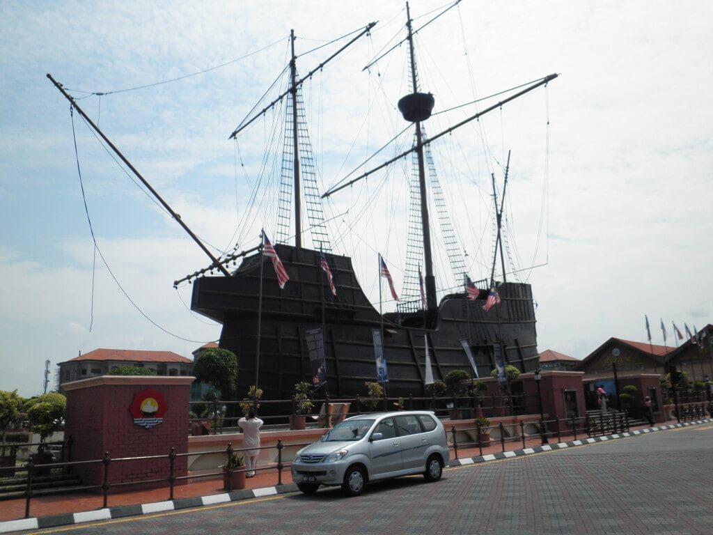 マラッカ 船