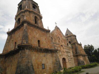 フィリピンのイロイロを観光!バコロドから日帰りでいける治安のいい街とは?