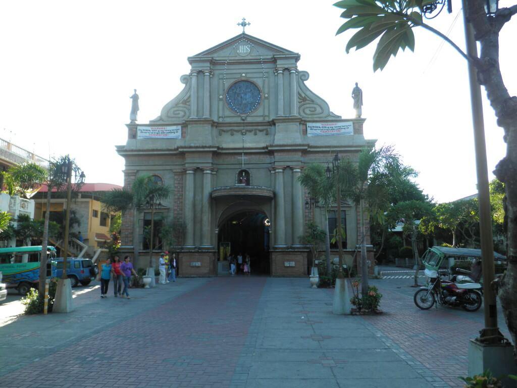 ドゥマゲッティ 教会