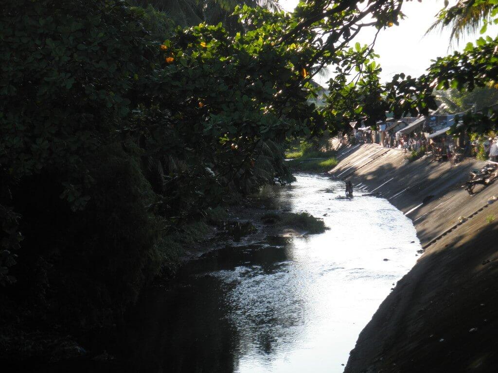 スラム 川 ドゥマゲッティ