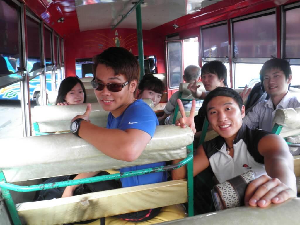 マンブカル 温泉 バコロドからバス