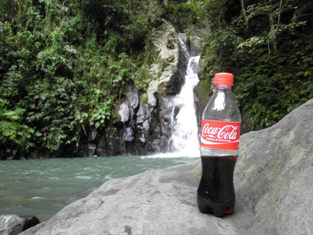 今日のコーラ マンブカルの滝