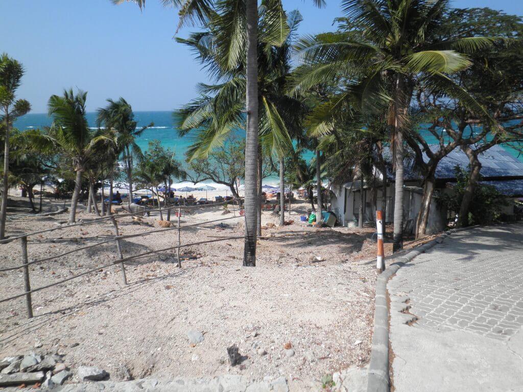 ラン島 タイ 青い海