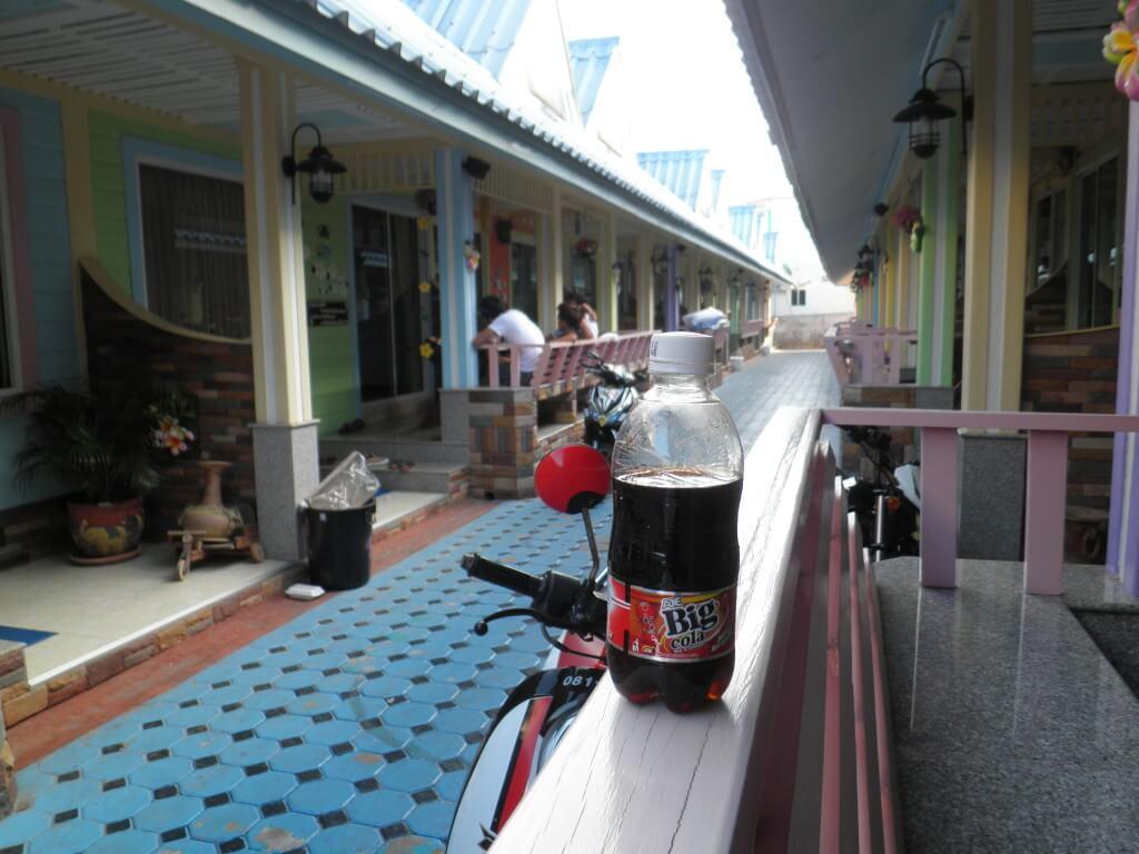 今日のコーラ タイのめずらしいコーラ