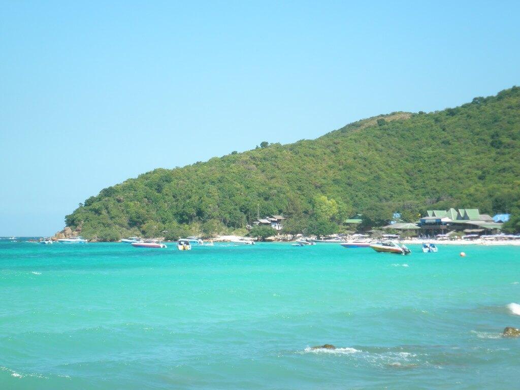 ラン島 青い海