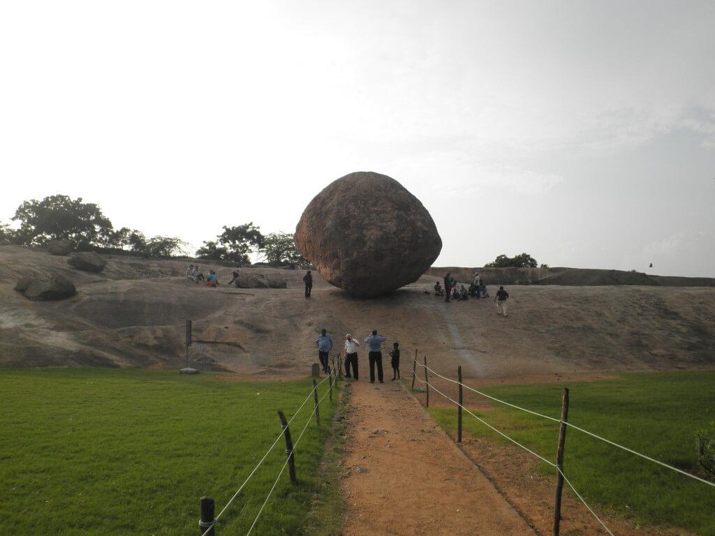 バターボール(Krishna's Butter Ball) クリシュナ アルジェナの苦行(Arujuna's Penance)  マハーバリプラム