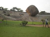 バターボール 坂の途中 止まっている 岩