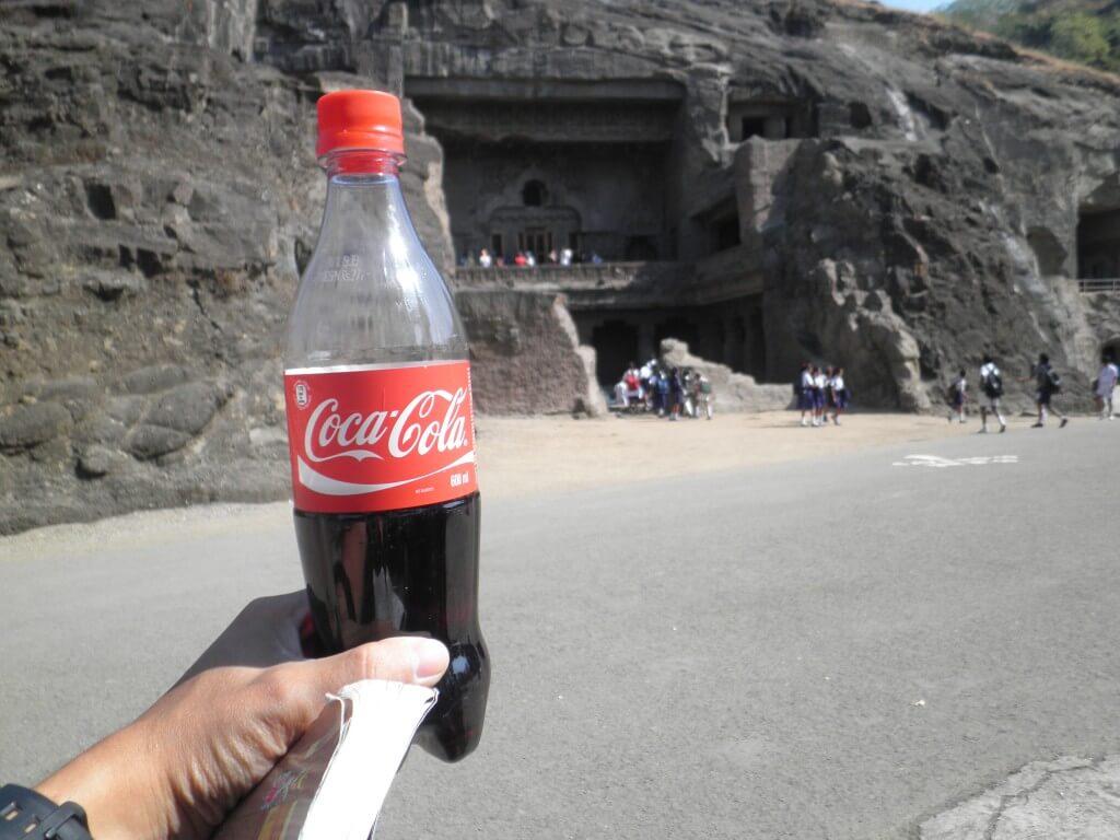 今日のコーラ 暑い遺跡観光に必須