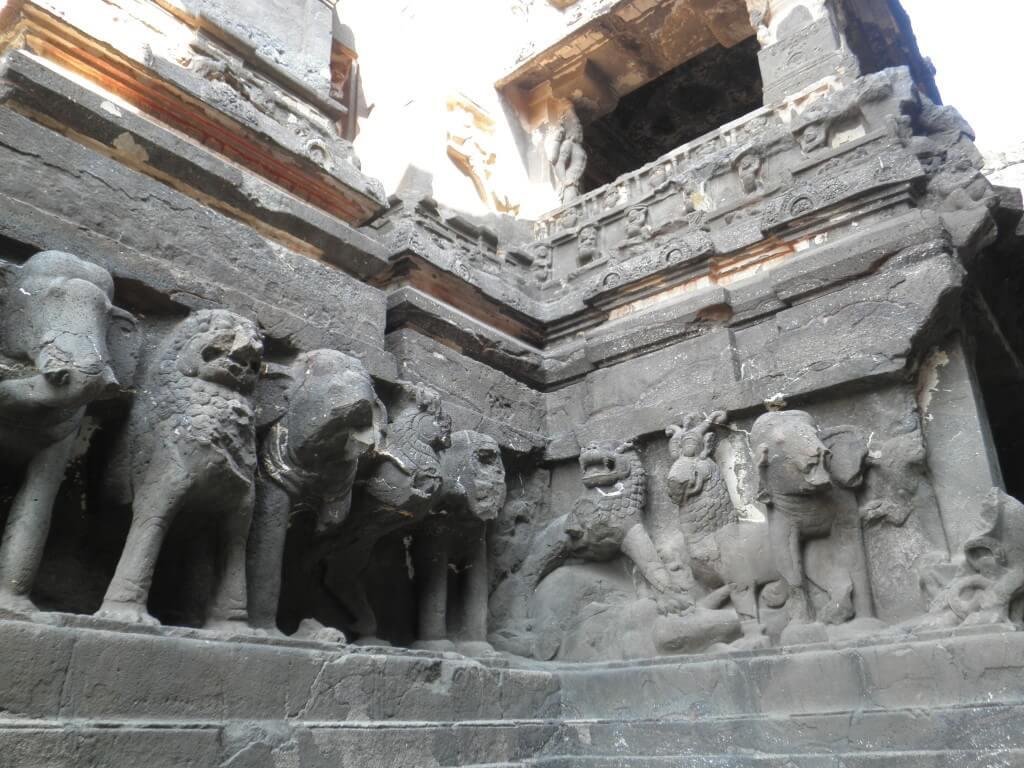 カイラーサナータ寺院 エローラツアー