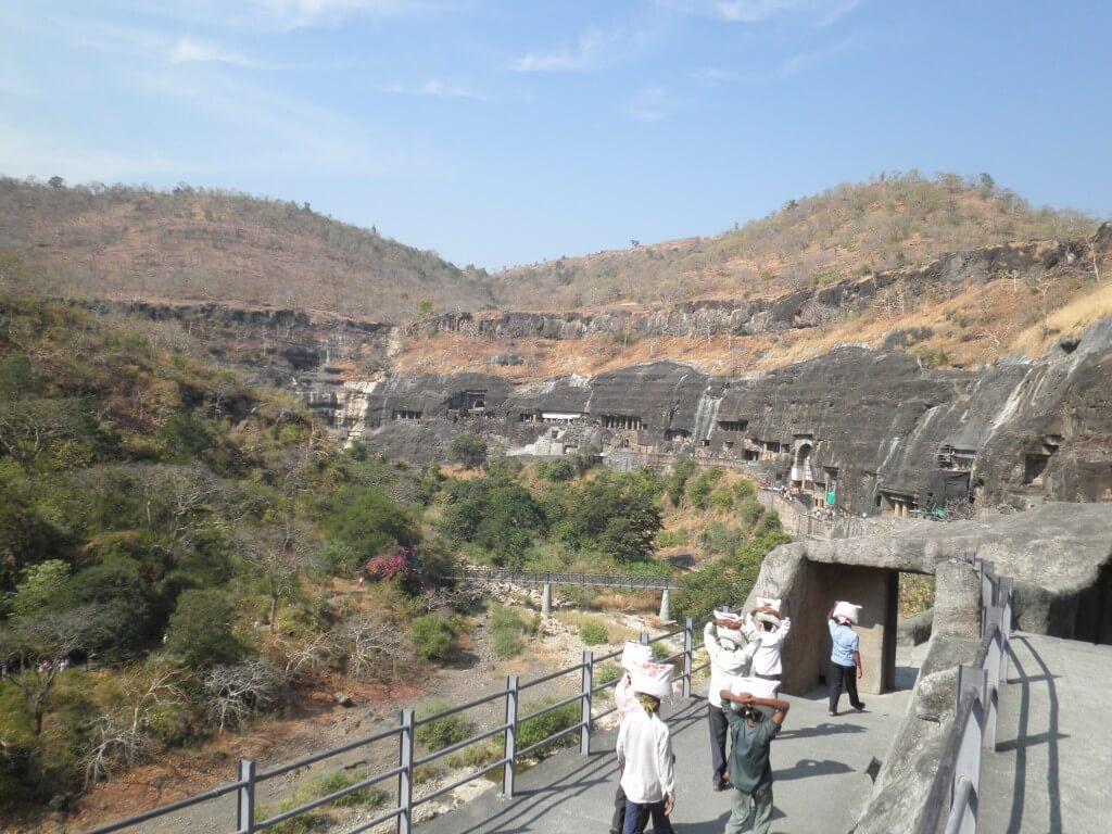 アジャンター 石窟寺院 遺跡ツアー