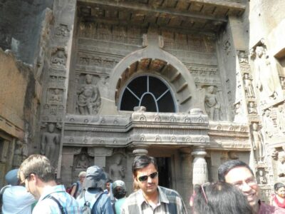 アジャンター石窟寺院とは?偶然に発見された遺跡の壮大さを説明するよ
