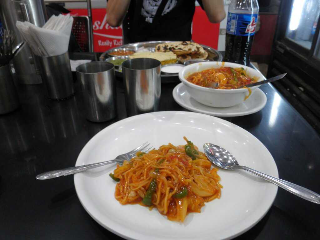 チョーメン インド料理