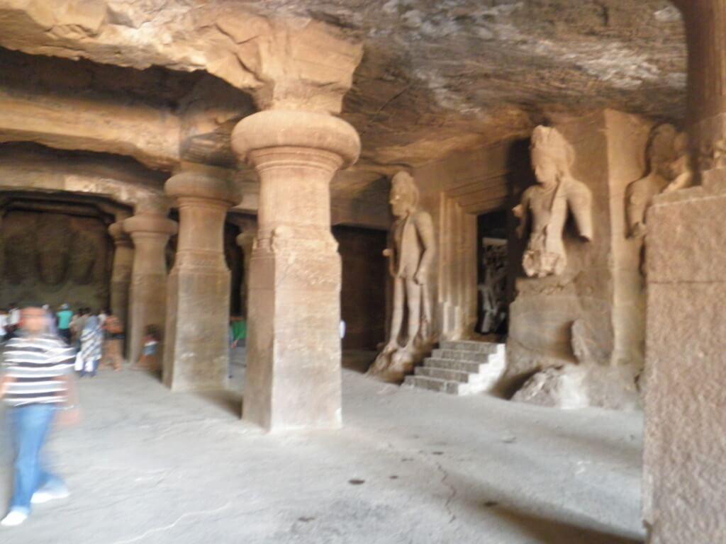 ムンバイの観光で初めて行く人が行っておきたい世界遺産のエレファンタ島とは?