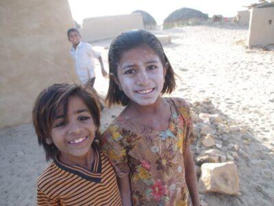 今日の美女 タール砂漠の村の子供達