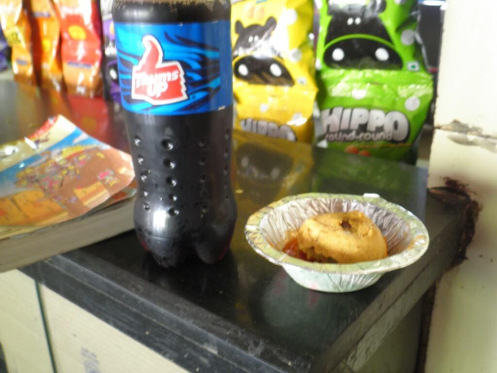 今日のコーラ インドの食べ物