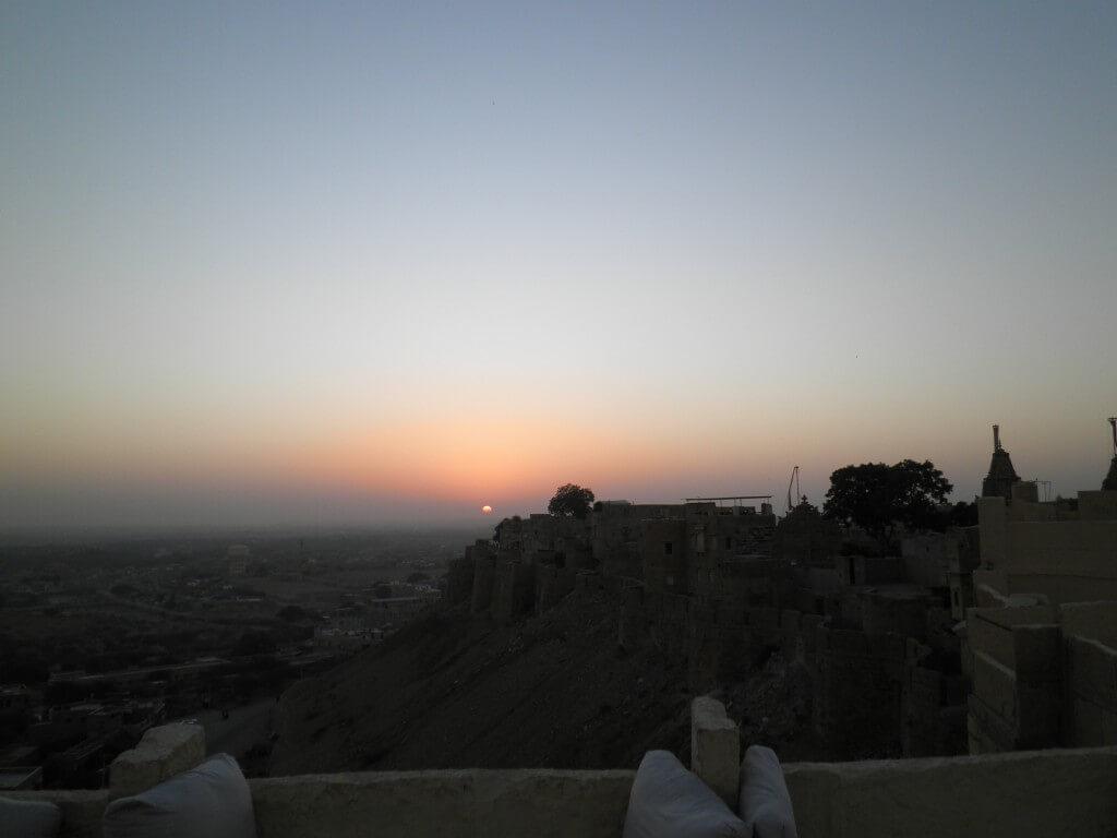 ジャイサルメール 夕日 砂漠の町