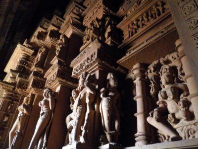 カジュラホ 遺跡 ミナトゥ像