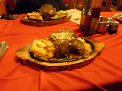 バックパッカーはヨダレでる!ネパールのポカラとカトマンズのうまい日本食レストランまとめ