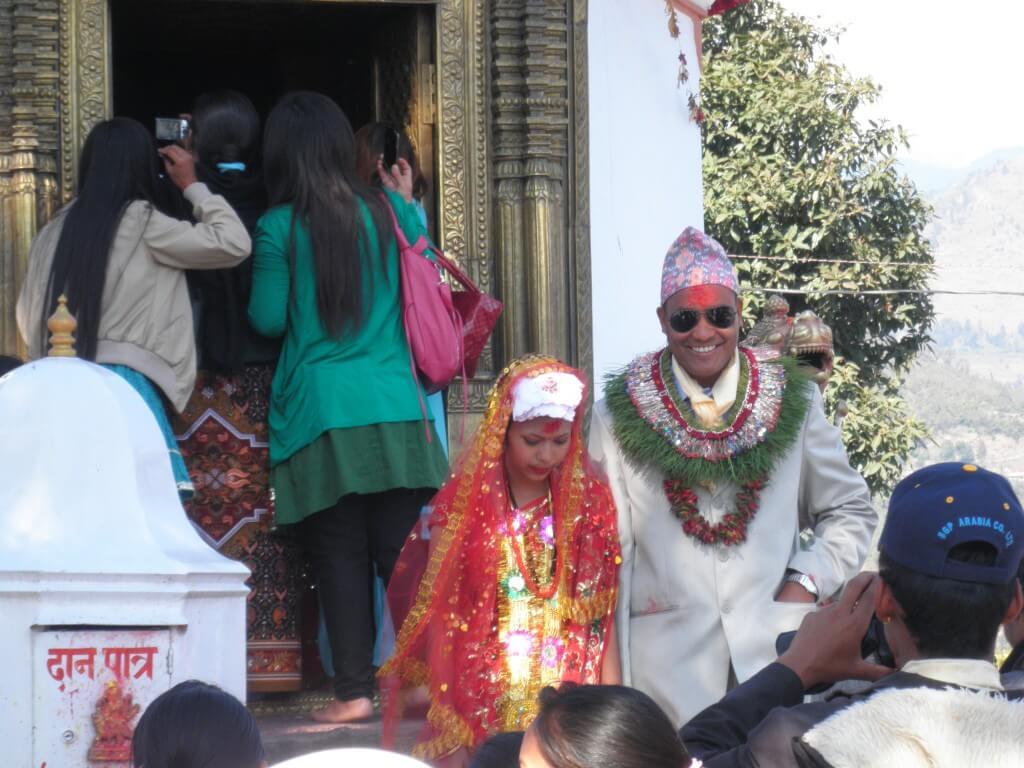 ポカラ レンタルサイクル ネパール結婚式 ヒンドゥバシニ寺院