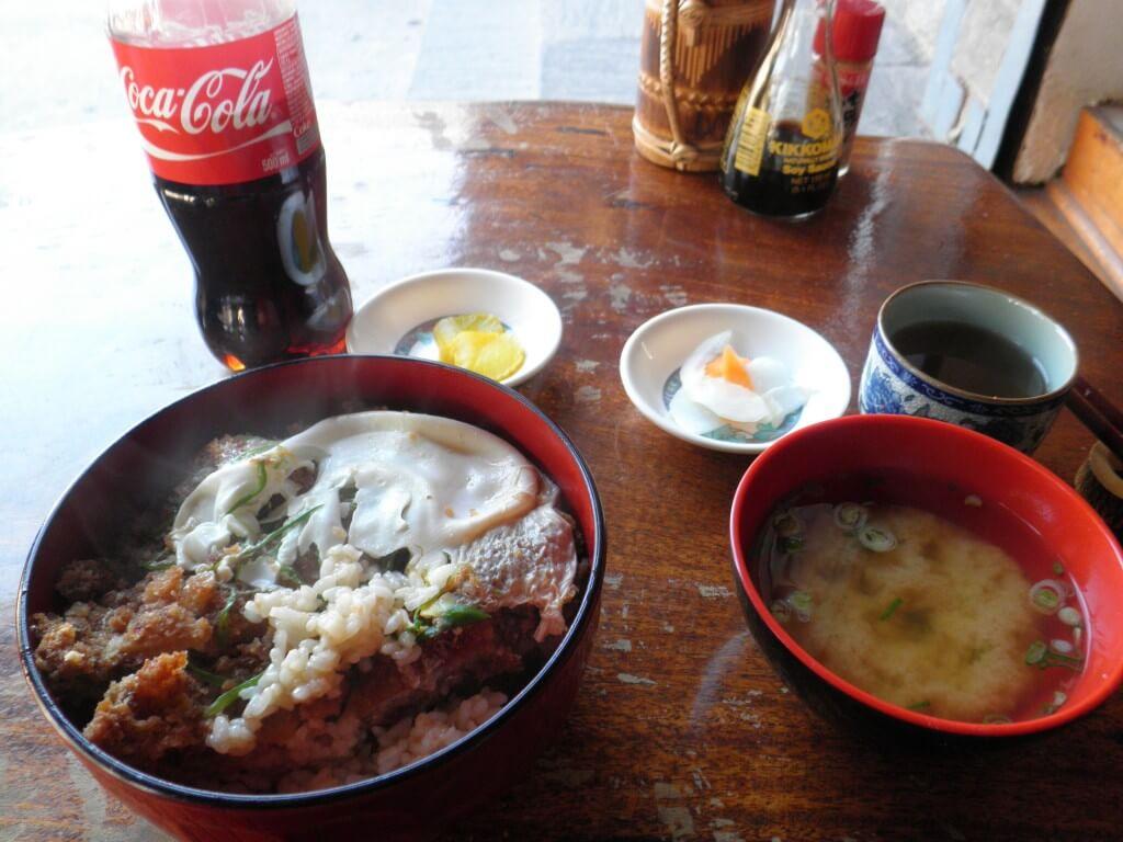 今日のコーラ ポカラの日本食 カツ丼