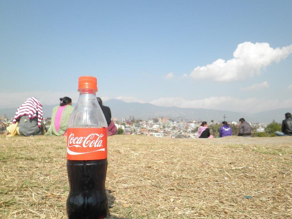 今日のコーラ ヒマラヤ山脈と