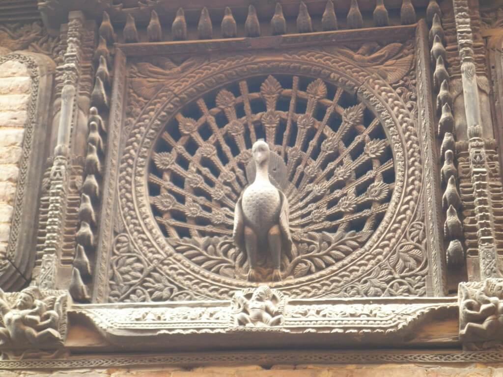 バクダプル 見事な彫刻