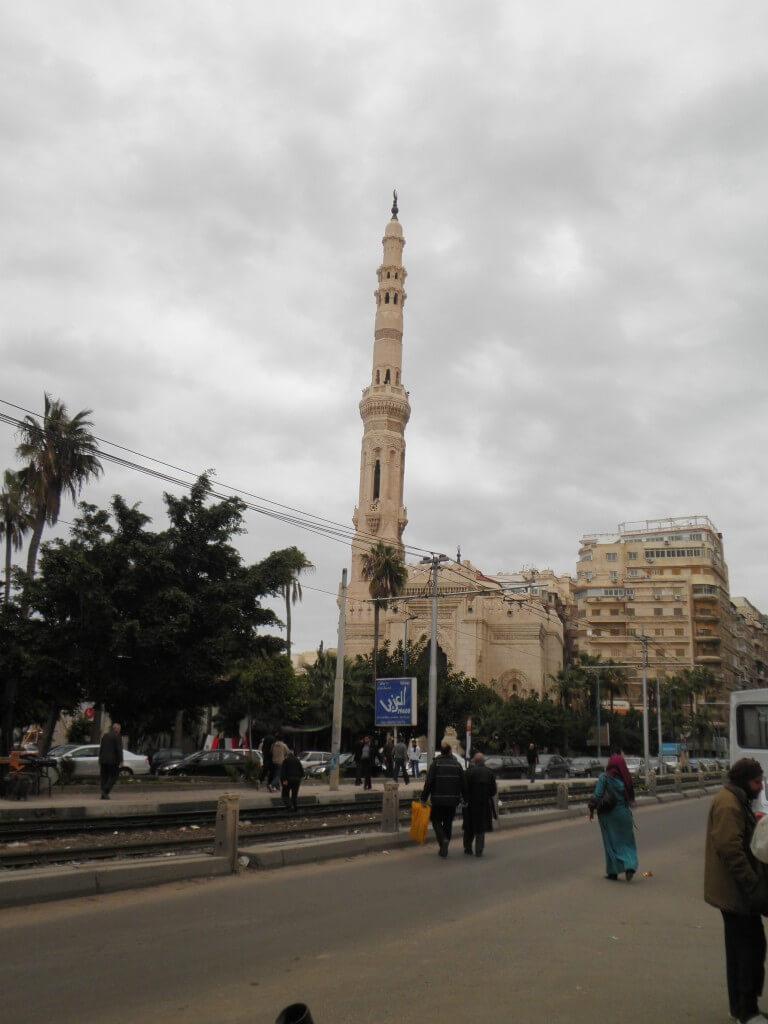 サアド・ザグルール広場の教会orモスク♪
