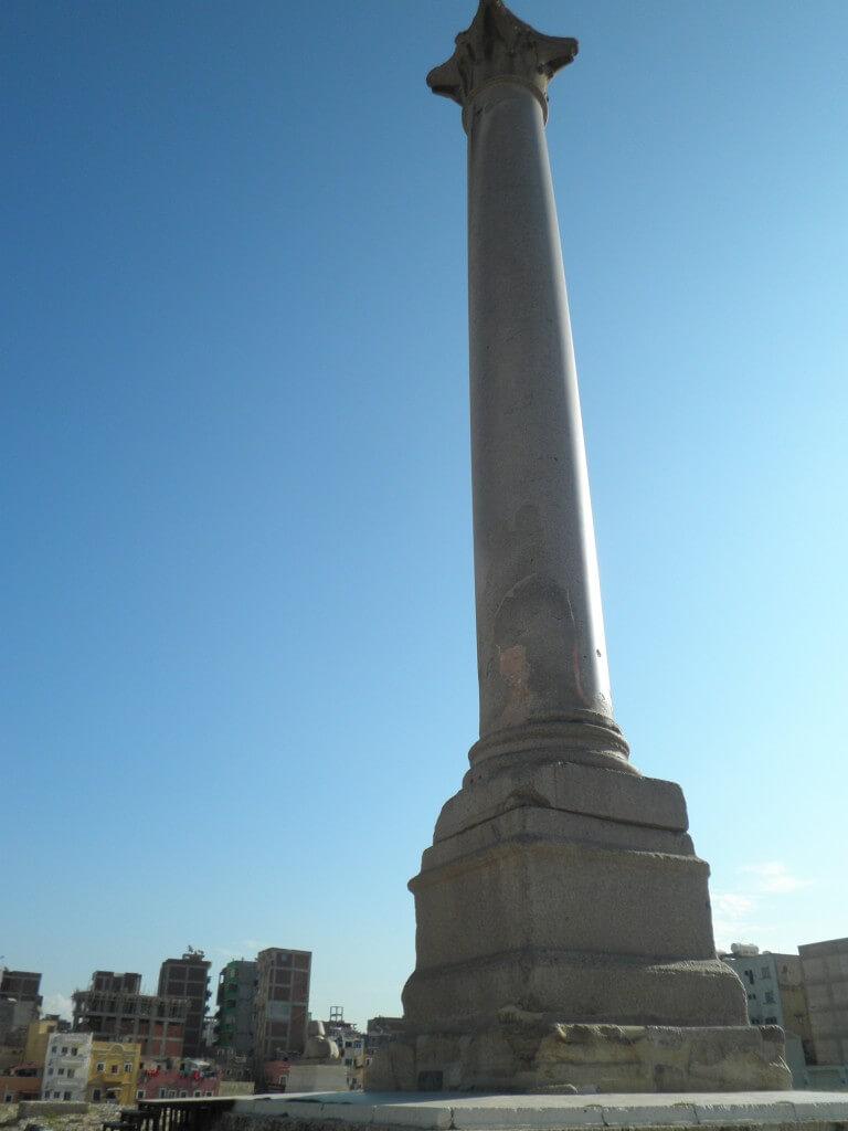 ローマ円形劇場、ポンペイの柱 クレオパトラの街 アレクサンドリア