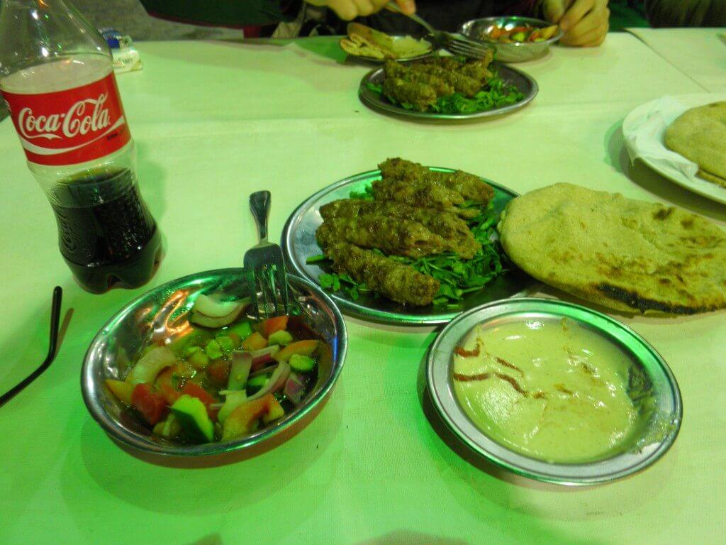 今日のコーラ エジプト料理のコフタ