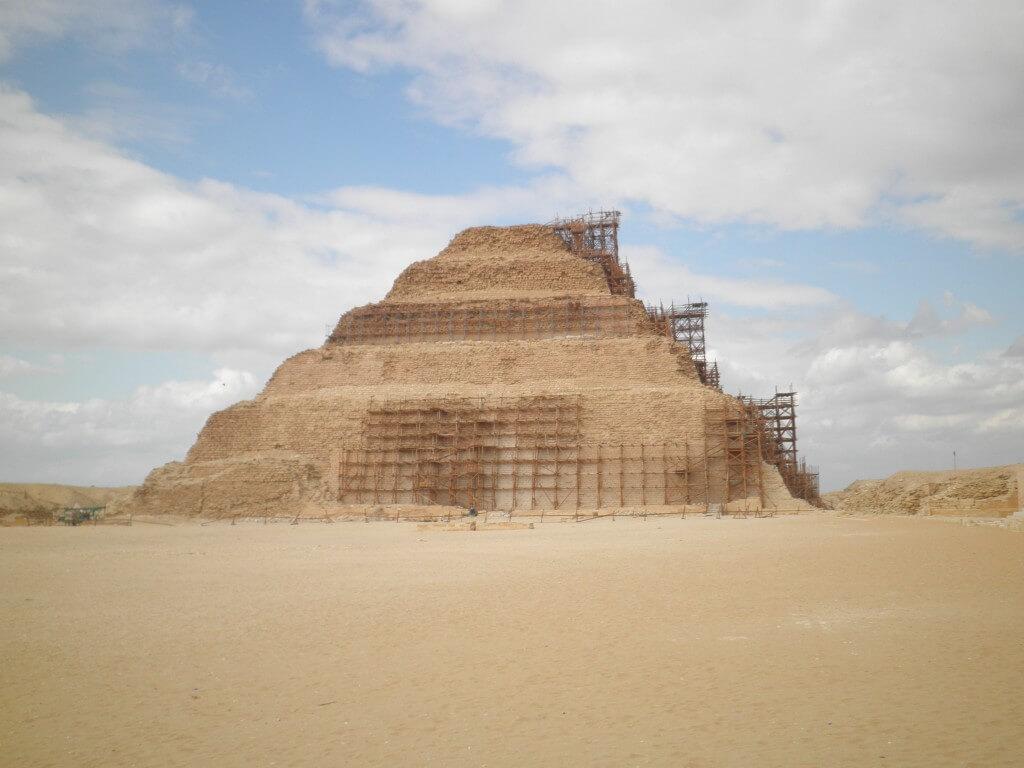 階段ピラミッドはジョセル王 ギザ