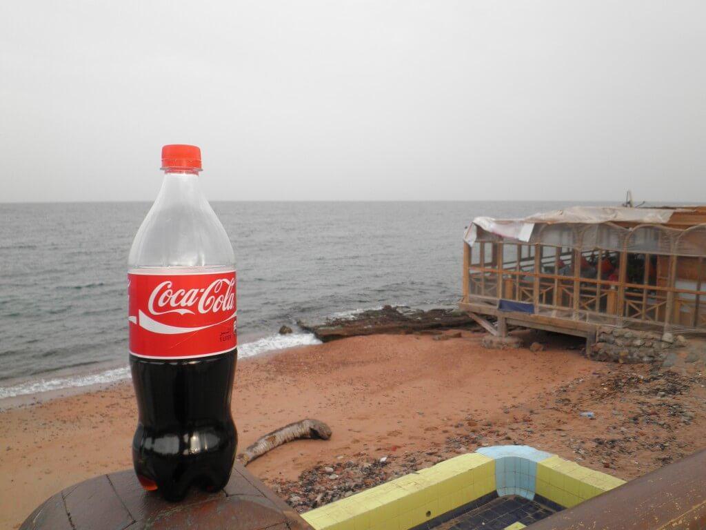 今日のコーラ ダハブの海と