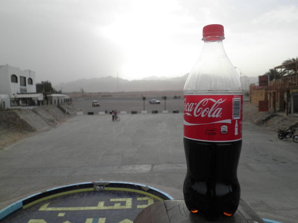 今日のコーラ ダハブの橋の上から
