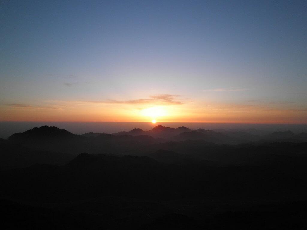 シナイ山 ご来光 朝日 絶景