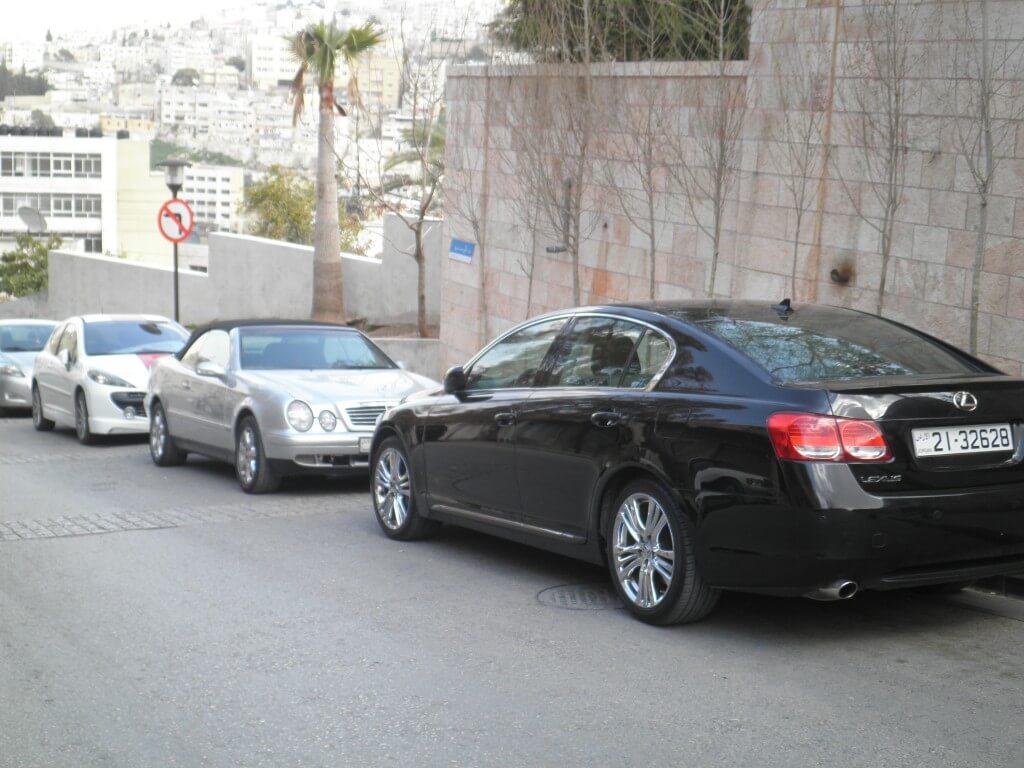 意外!!ヨルダン人は金持ちが多いのか!?ハマーにベンツにトヨタと高級車ばかりが!!