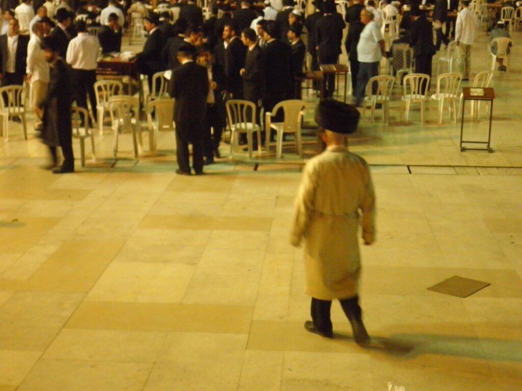 ユダヤ教 黒ずくめ 帽子 エルサレム 嘆きの壁