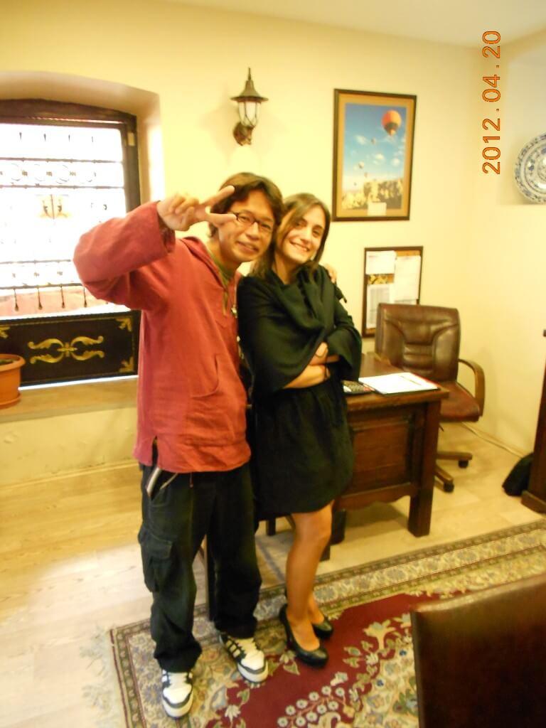 今日の美女 イスタンブールの旅行代理店のかわいいトルコ人のおねーちゃん